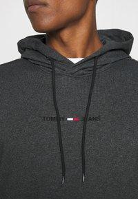 Tommy Jeans - GEL STRAIGHT LOGO HOODIE - Sweatshirt - black - 4
