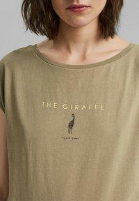 edc by Esprit - Print T-shirt - light khaki - 3