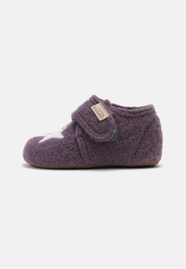 Babyschoenen - vintage violett