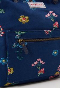 Cath Kidston - REVERSIBLE CROSS BODY - Across body bag - navy - 2