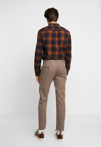 TOM TAILOR - STRUCTURE - Chino - morel brown - 2