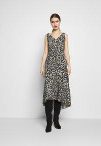 STUDIO ID - JULE DRESS - Denní šaty - beige - 0