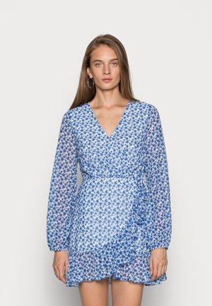 FLORAL PRINT WRAP DRESS - Vapaa-ajan mekko - blue