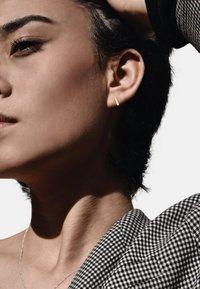 No More - SQUARE STUD EARRINGS - Earrings - gold - 0
