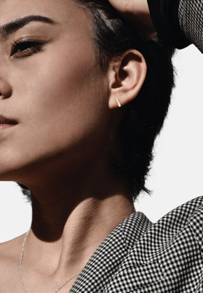 No More - SQUARE STUD EARRINGS - Earrings - gold