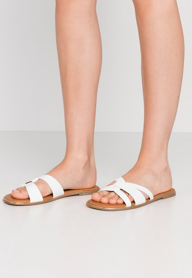 WIDE FIT T FRUITFUL - Mules - white