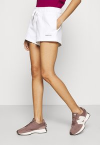 Calvin Klein Jeans - MICRO BRANDING - Shorts - white - 0