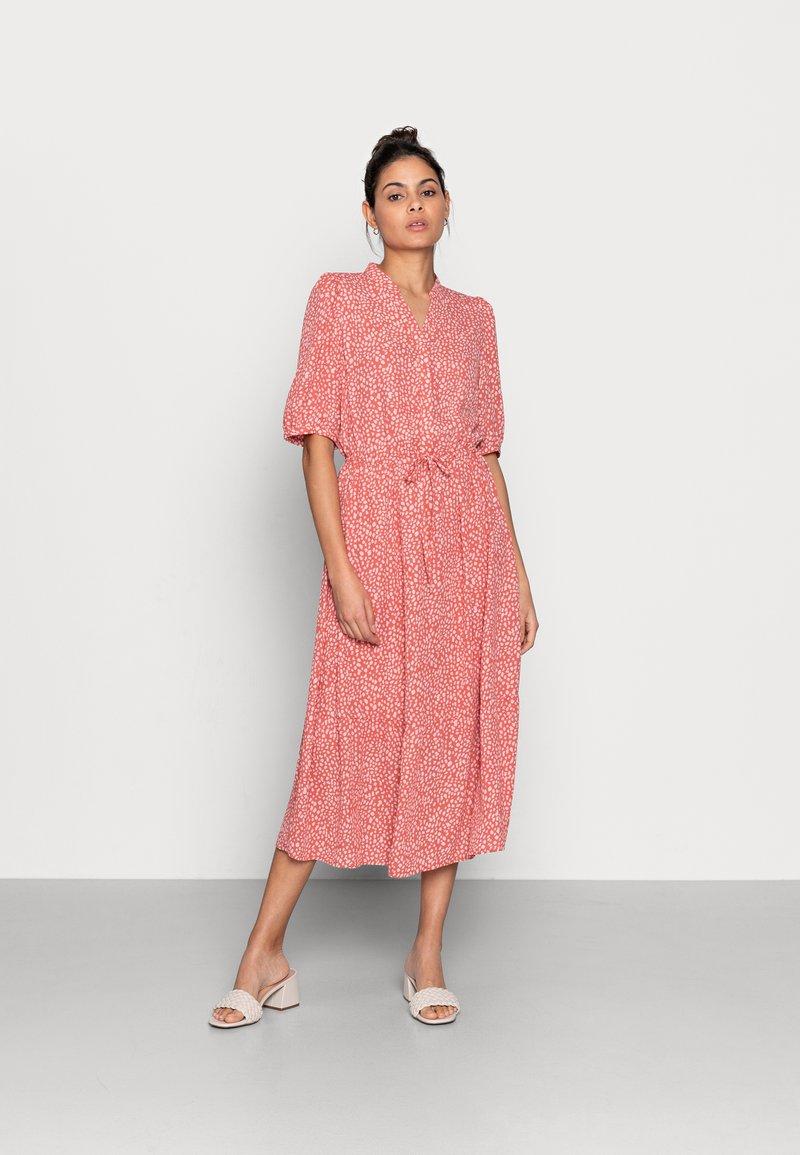 Moss Copenhagen - CLOVER 2/4 DRESS - Day dress - faded rose