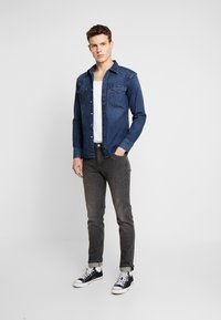 Levi's® - BARSTOW WESTERN SLIM - Košile - dark worn - 1