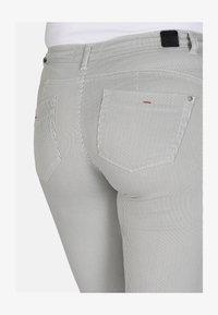 Cero & Etage - Shorts - petit stripe - 3