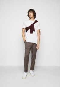 Filippa K - TERRY  - Trousers - taupe - 1