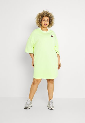 BADGE TEE DRESS - Jersey dress - faded lime