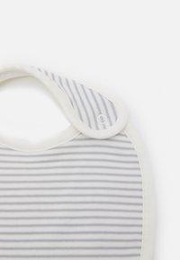 Marks & Spencer London - BABY BIBS 5 PACK UNISEX - Bib - grey - 3