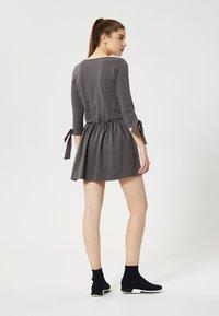 Talence - ROBE - Vestito di maglina - graphite - 2