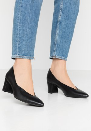 2-2-22435-24 - Pumps - black