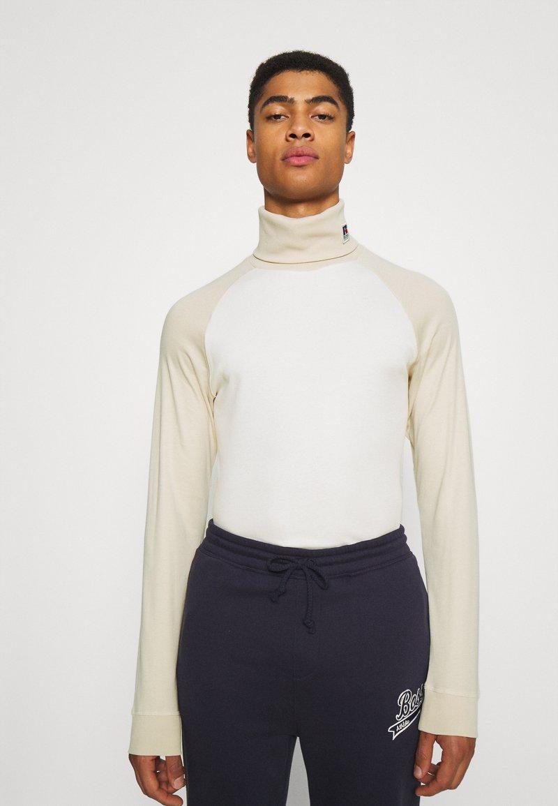 BOSS - BOSS X RUSSELL ATHLETIC TERON - Langarmshirt - open white