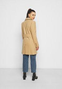 Miss Selfridge Petite - COAT - Klasický kabát - camel - 2