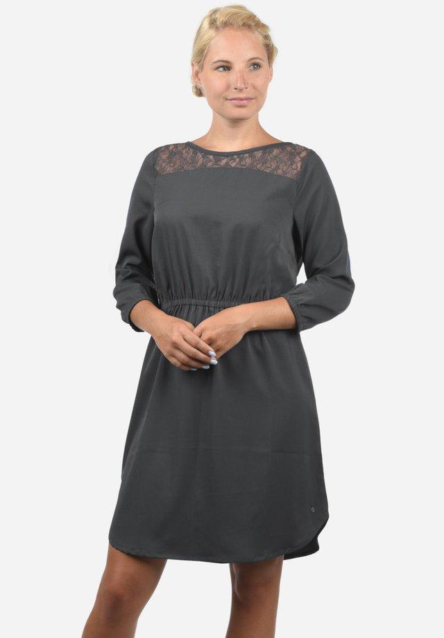 AMORA - Korte jurk - ebony grey