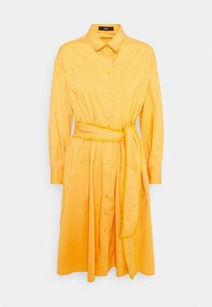 STELLA SUMMER DRESS - Abito a camicia - sun