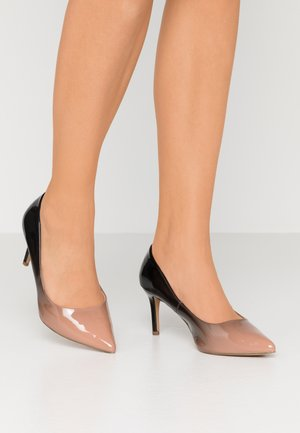 WIDE FIT EDEN - Klassiske pumps - nude