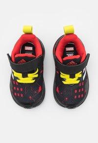 adidas Performance - FORTARUN SUPERHERO UNISEX - Chaussures de running neutres - core black/footwear white/vivid red - 3