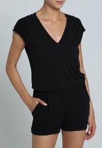 LASCANA - Jumpsuit - schwarz - 1