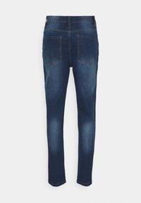 Newport Bay Sailing Club - Jeans straight leg - mid wash - 7