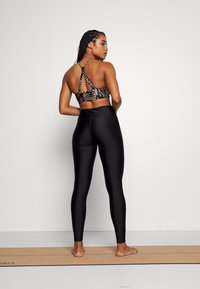Deha - SHINING LEGGINGS - Leggings - black - 2