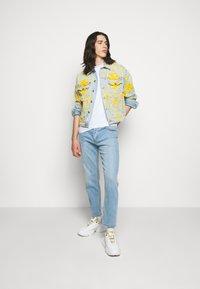 Versace Jeans Couture - COLUMBUS  - Džínová bunda - light blue - 1
