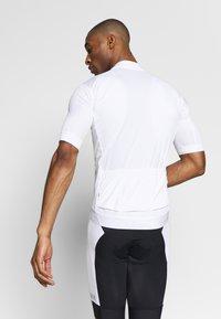 Craft - ESSENCE - T-shirt z nadrukiem - white - 2