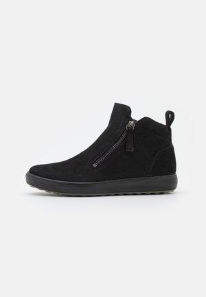 SOFT - Kotníková obuv - black