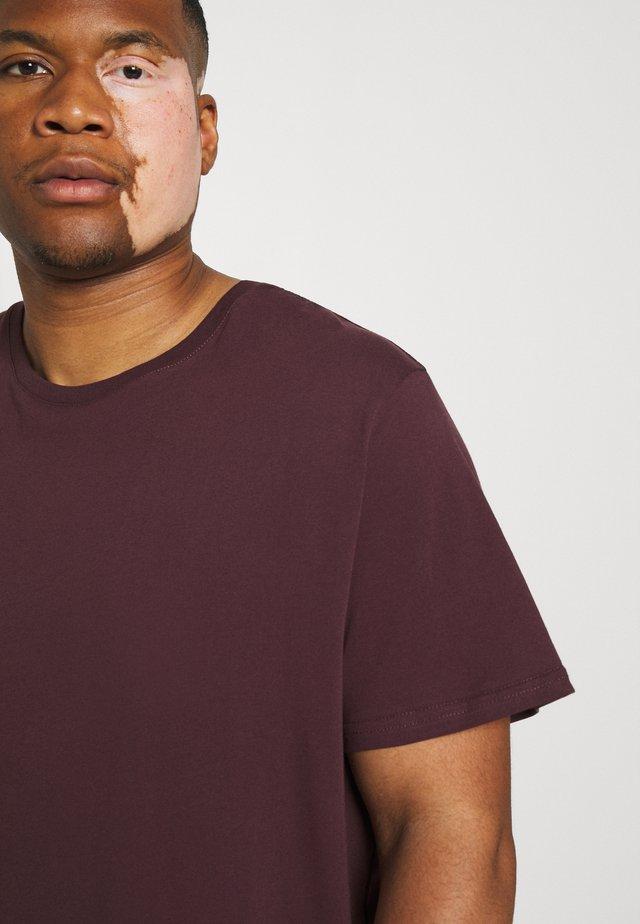 ESSENTIAL CREW NECK TEE - T-shirt basic - plum