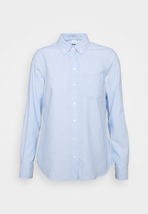 V FITTED BOYFRIEND - Button-down blouse - light blue