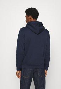 GAP - V LOGO SHERPA - Zip-up hoodie - tapestry navy - 2