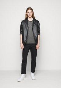 JOOP! Jeans - AMBROS  - Print T-shirt - dark grey - 1