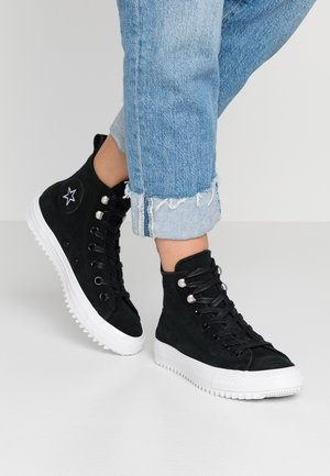 CHUCK TAYLOR ALL STAR HIKER FINAL FRONTIER - Korkeavartiset tennarit - black/white