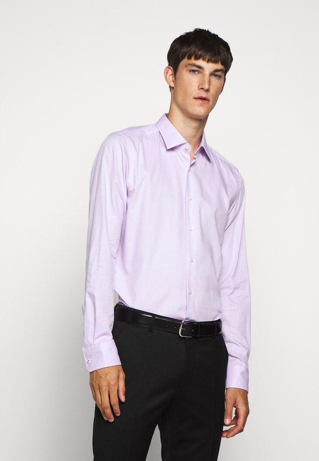 PIERRE - Formální košile - pastel pur
