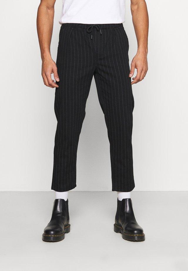 PINSTRPIE TROUSER - Trousers - black