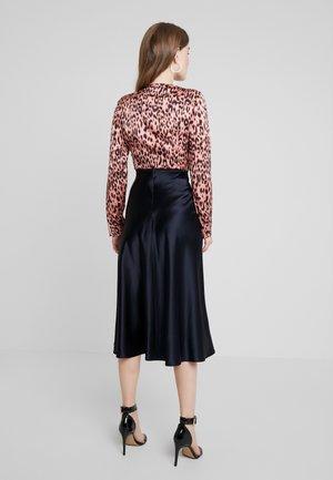 LEOPARD PRINT BODYSUIT - Blus - leopard