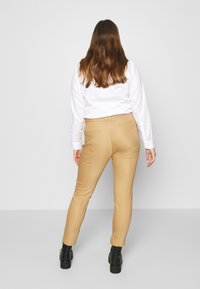 More & More - TROUSER - Chinos - soft caramel - 2