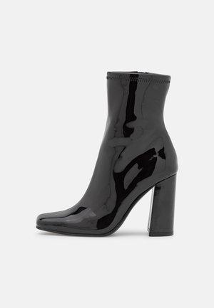 FULTON - Korte laarzen - black
