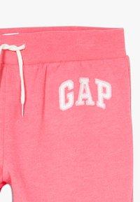 GAP - GIRL LOGO - Teplákové kalhoty - pink jubilee - 3