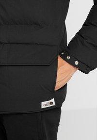 The North Face - SIERRA JACKET - Bunda zprachového peří - black - 7