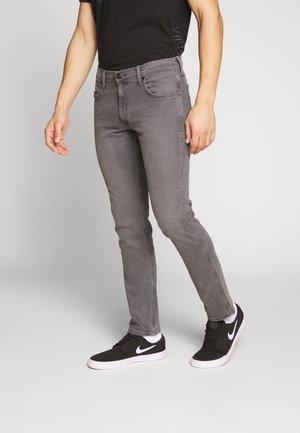 GREENSBORO - Jeans straight leg - grey denim