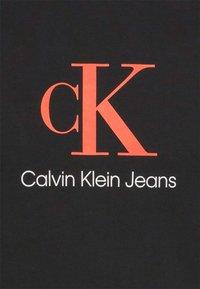 Calvin Klein Jeans - MONOGRAM ROLL CUFF TEE - T-shirts med print - black - 6