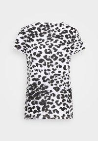 Guess - EWA TEE - Print T-shirt - iconic white - 7