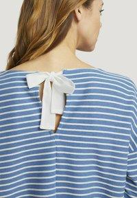 TOM TAILOR DENIM - Long sleeved top - mid blue melange white stripe - 3