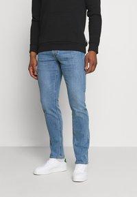 Lee - DAREN ZIP FLY - Jeans straight leg - light bluegrass - 0