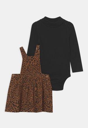 LEO SET - Long sleeved top - true black