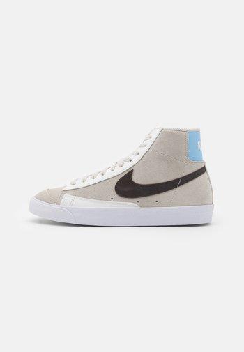 BLAZER MID '77 - Zapatillas altas - light bone/dark cinder/summit white